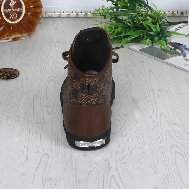 Tênis Cano Alto de Couro Louis Vuitton