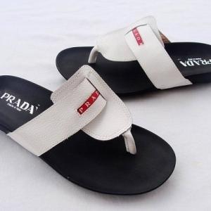 Sandália Chinelo de Couro Prada