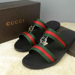 Sandália chinelo Gucci