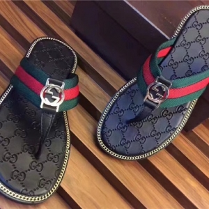 Sandália chinelo fem. couro Gucci