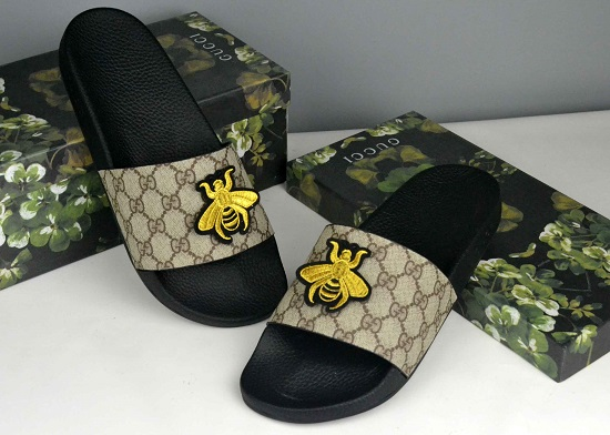 Sandália chinelo slide couro Gucci